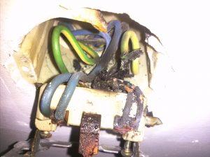 Acidentes elétricos são mais comuns no verão