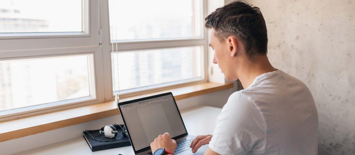 Home office-Cuidados ao adaptar um ambiente em casa